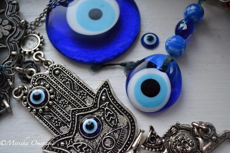 Φυλαχτά για το κακό μάτι: έτσι θα προφυλαχθείς από την αρνητική ενέργεια