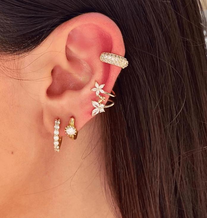 πως φοριούνται τα μικρά κρικάκια αυτιών