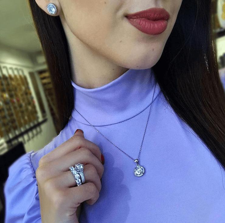 Πώς συνδυάζονται τα κοσμήματα; Συμβουλές για άντρες και γυναίκες